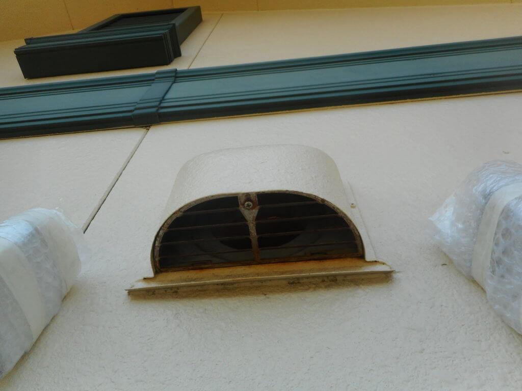 コウモリ侵入換気扇